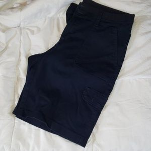Navy elastic waist cargo Bermuda shorts
